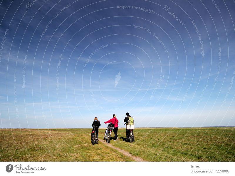 Hiddensee | Weites Land Mensch Himmel Natur Ferien & Urlaub & Reisen Wolken ruhig Umwelt Ferne Landschaft Wiese Frühling Freiheit Wege & Pfade Freundschaft
