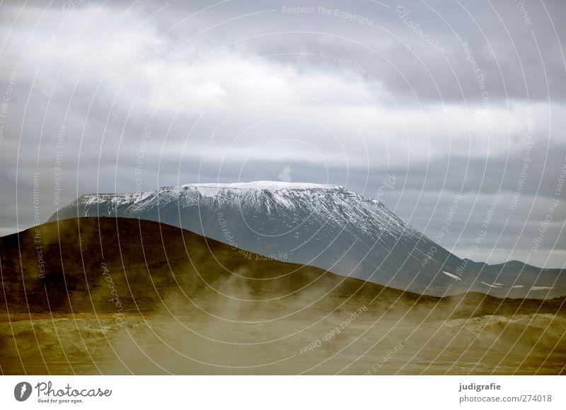 Island Umwelt Natur Landschaft Urelemente Erde Himmel Wolken Klima Schnee Berge u. Gebirge Gipfel Schneebedeckte Gipfel Vulkan Herðubreið kalt natürlich Wärme