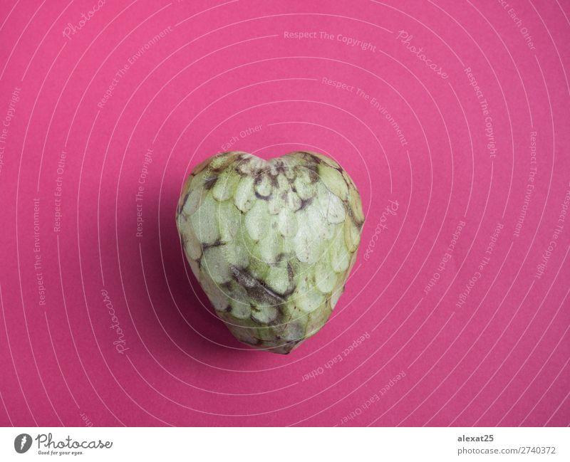 Custard Apfel auf rotem Hintergrund Lebensmittel Frucht Dessert Ernährung Vegetarische Ernährung exotisch Gesundheit Natur Herz frisch grün schwarz Antioxidans