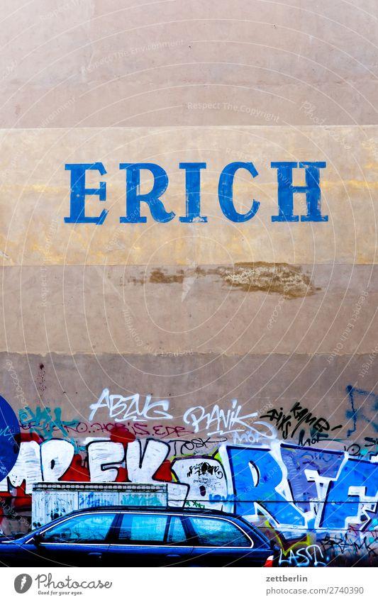 ERICH Stadt Winter Leben Herbst Wand Berlin Textfreiraum Mauer Stadtleben Häusliches Leben Schriftzeichen Hauptstadt Werbung Typographie Werbebranche Wohngebiet