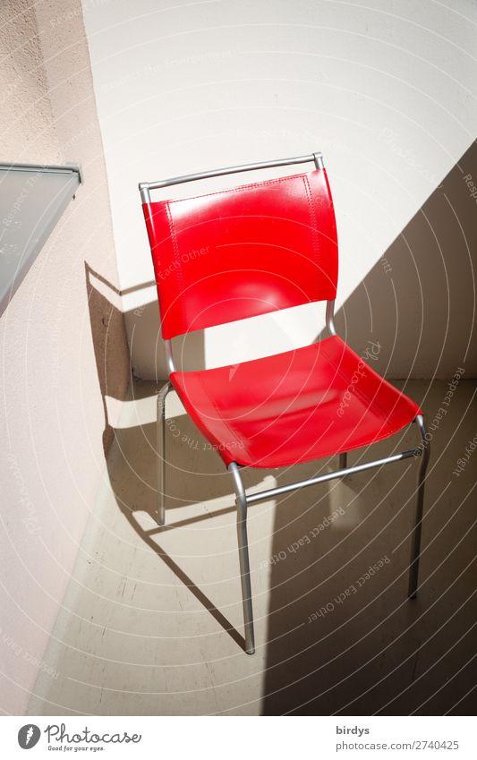 red hot chilli chair Stuhl Balkon leuchten authentisch einfach glänzend Sauberkeit grau rot weiß ästhetisch Mittelpunkt Stil Häusliches Leben Sitzgelegenheit
