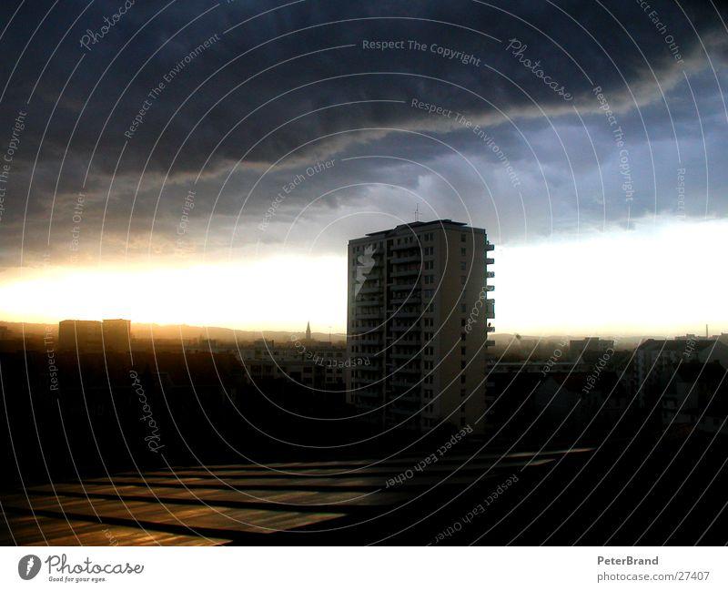 Weltuntergang Wolken Sturm Stadt Hochhaus Haus Aussicht Gewitter Himmel Wind Architektur