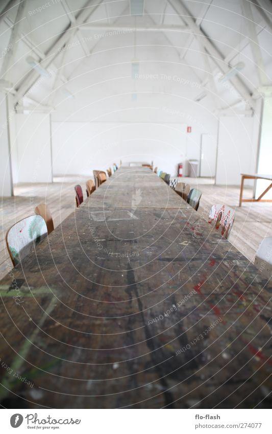 time to do something special Holz hell Kunst Raum Zufriedenheit groß Tisch Stuhl Kultur Leidenschaft Tafel trashig Maler Vorfreude Ausstellung