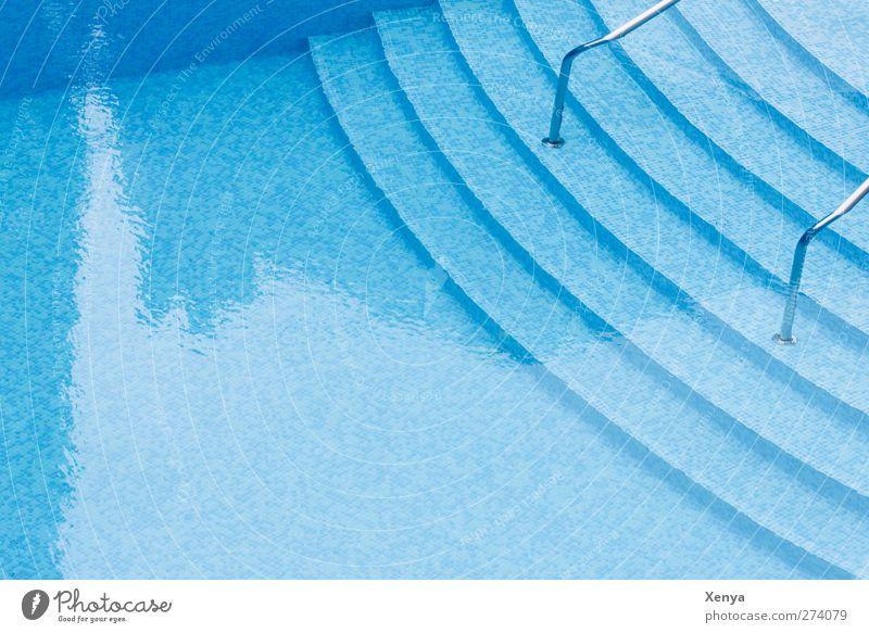 Abkühlung blau Wasser Ferien & Urlaub & Reisen Schwimmen & Baden Treppe nass Schwimmbad Erfrischung Kühlung