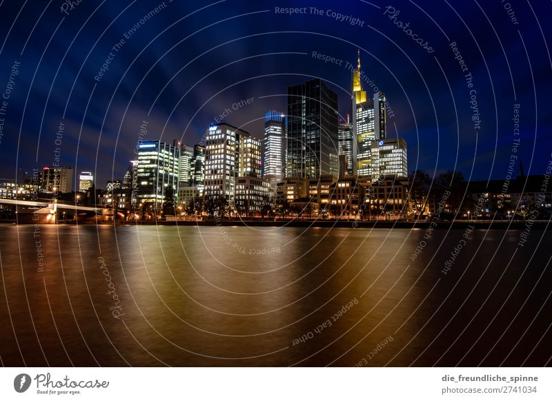 Skyline Frankfurt I Frankfurt am Main Deutschland Europa Stadt Stadtzentrum Hochhaus Bankgebäude blau mehrfarbig gelb schwarz ästhetisch Wasser Fluss
