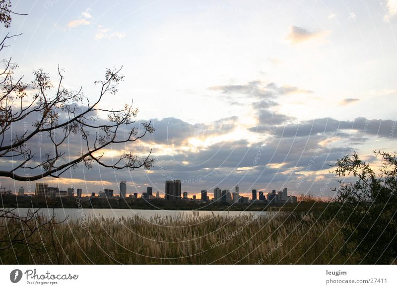 Buenos Aires skyline Wasser Himmel Stadt Wolken Beleuchtung Architektur gold Hochhaus Platz Skyline Argentinien Buenos Aires