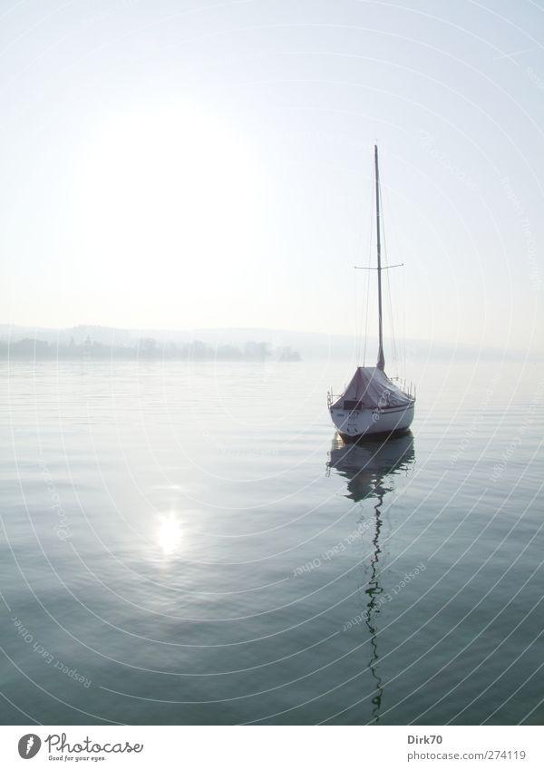 Still und stumm ruht der See ... Himmel Natur blau Wasser Ferien & Urlaub & Reisen weiß Sonne ruhig Erholung Ferne Landschaft grau träumen hell Horizont