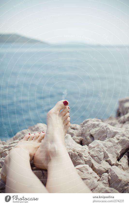 island in the sun Mensch Frau Himmel Jugendliche Ferien & Urlaub & Reisen schön Sommer Meer Strand ruhig Erwachsene Erholung feminin Wärme Junge Frau Beine