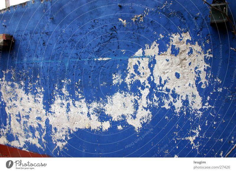 Azul Wand abblättern weiß Buenos Aires Argentinien blau alt