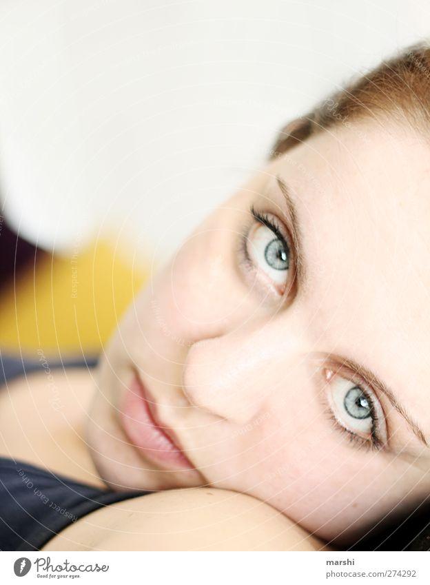 still tired Mensch Frau Jugendliche schön Erwachsene Gesicht Auge feminin Junge Frau schlafen Müdigkeit verträumt