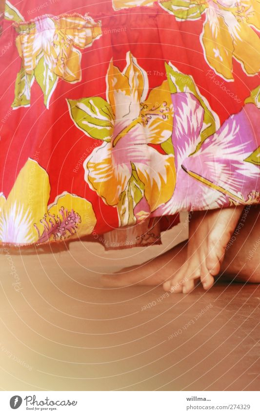 footwork Tanzen feminin Leben Fuß Zehen Kunst Kultur Show Rock exotisch rot Bewegung elegant Freude Lebensfreude Barfuß Rhythmus Blumenmuster Folklore willma...