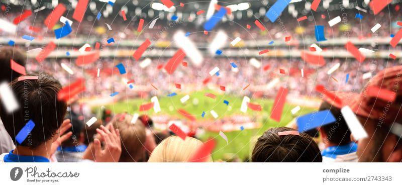 Zuschauer im Stadion im Konfetti-Regen Mensch Freude Sport Glück Feste & Feiern Party Menschengruppe Freizeit & Hobby Erfolg Sportmannschaft