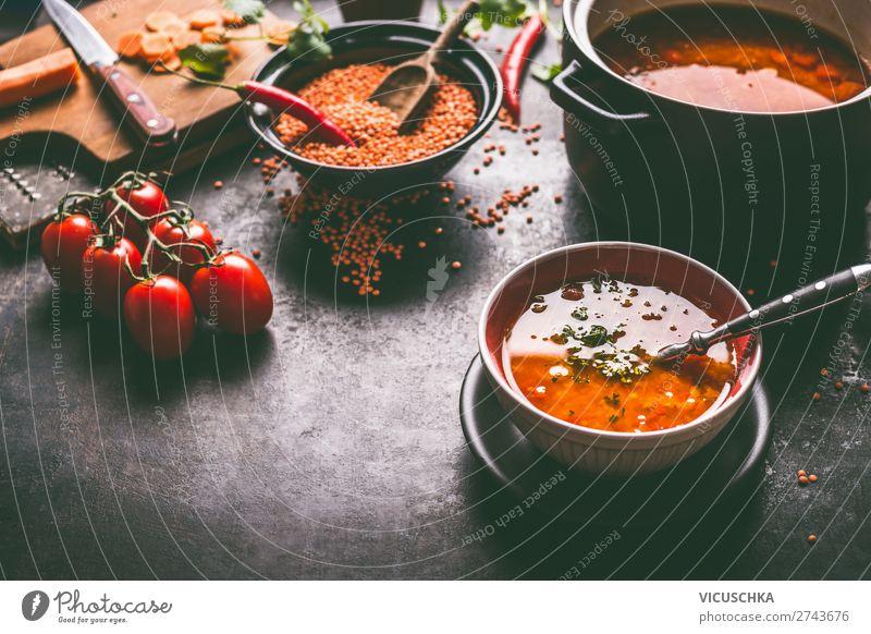 Gesunde vegane Linsensuppe in der Schüssel Lebensmittel Getreide Suppe Eintopf Ernährung Mittagessen Bioprodukte Diät Geschirr Teller Schalen & Schüsseln Topf