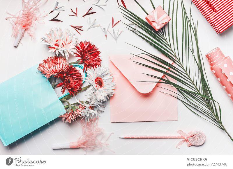 Einkaufstasche mit Blumenstrauß, leerer Umschlag mit Stift kaufen Stil Design Party Veranstaltung Feste & Feiern Valentinstag Hochzeit Geburtstag feminin Papier