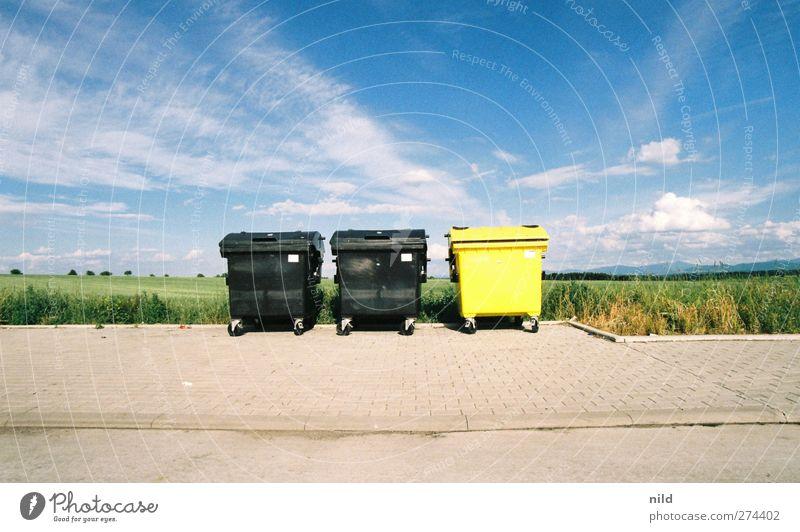 Roadtrip 2012 Natur blau Ferien & Urlaub & Reisen Sommer schwarz Umwelt Landschaft gelb Wiese Straße Feld Schönes Wetter Hügel Müll analog Müllbehälter