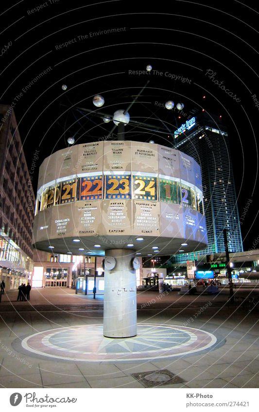 Weltzeituhr Berlin Tourismus Sightseeing Städtereise Nachtleben Uhr Kunst Architektur Stadt Hauptstadt Stadtzentrum bevölkert Haus Hochhaus Platz