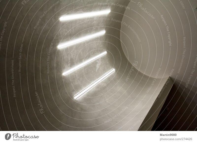 Licht im Treppenhaus Menschenleer Haus Industrieanlage Bauwerk Gebäude Architektur Mauer Wand Dekoration & Verzierung Stein Beton Stahl Zeichen Linie Blick
