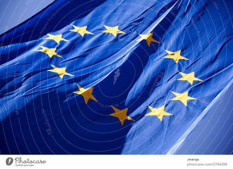 Europaflagge Zeichen Fahne Europafahne Stern (Symbol) Identität Politik & Staat Farbfoto Außenaufnahme Menschenleer Freisteller Hintergrund neutral