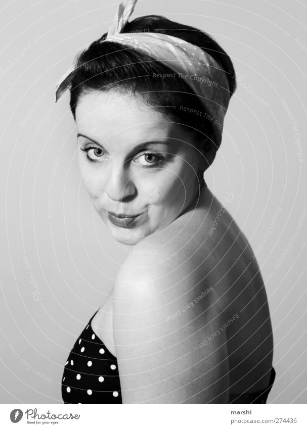 * Lifestyle Stil Freude Veranstaltung Mensch Junge Frau Jugendliche Erwachsene Haut Gesicht 1 Mode Accessoire Haare & Frisuren Coolness trendy Erotik Rockabilly