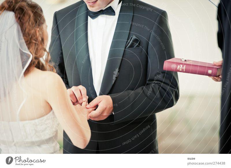 Herr der Ringe Mensch Frau Mann Jugendliche Hand Erwachsene Liebe feminin Religion & Glaube Feste & Feiern Zusammensein 18-30 Jahre maskulin authentisch