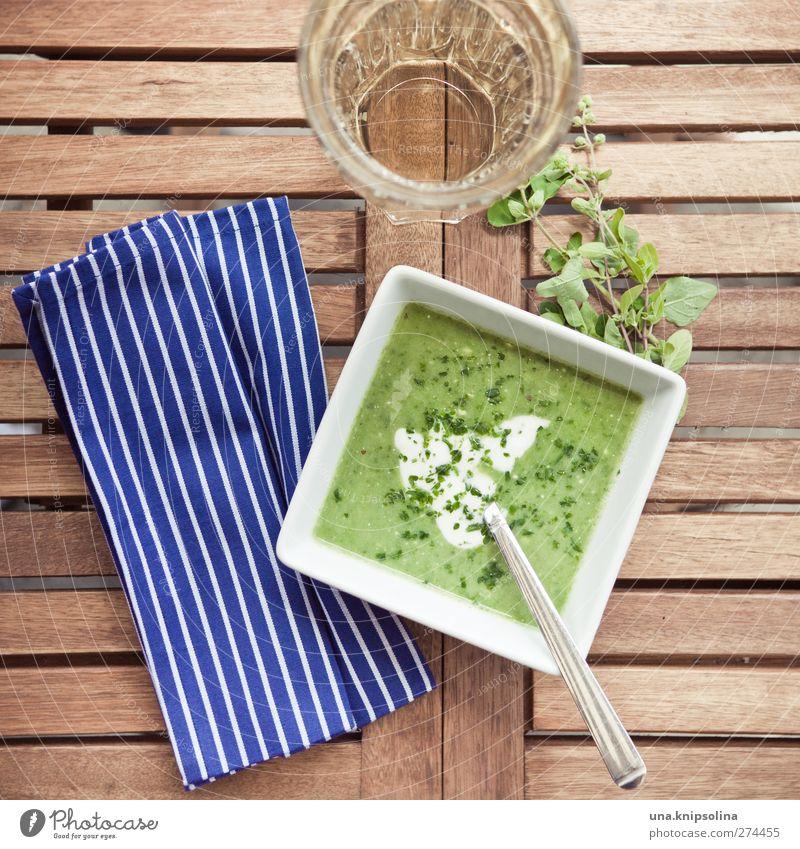 zucchini-spinat-creme grün Holz Glas Glas Ernährung Lebensmittel Tisch Häusliches Leben Gemüse Kräuter & Gewürze Bioprodukte Abendessen gestreift Mittagessen Schalen & Schüsseln Löffel