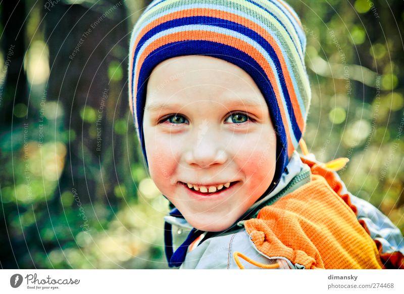 Mensch Kind grün Gesicht gelb Liebe Auge Gefühle Junge Kopf Stimmung orange gold Haut Mund Nase