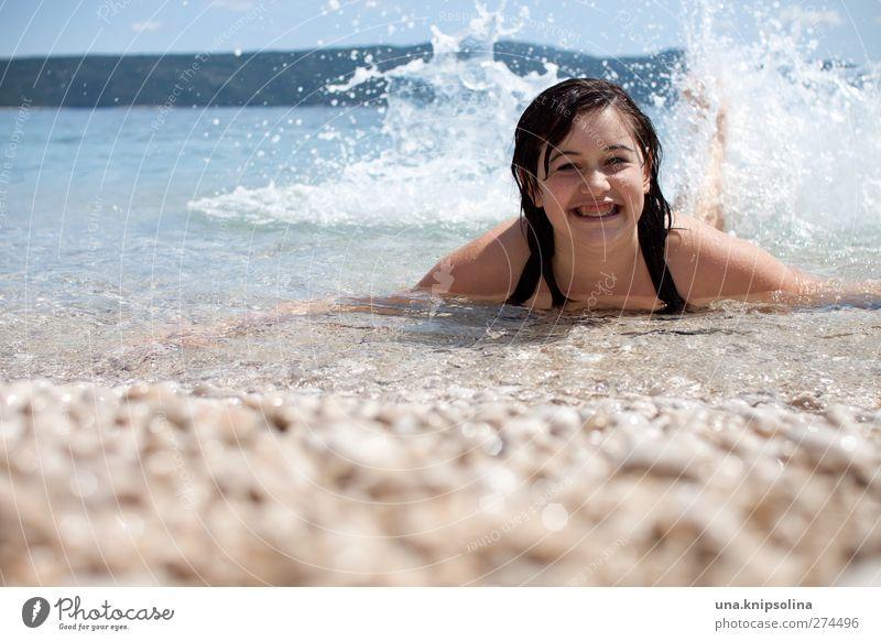 wasserratte Mensch Kind Jugendliche Ferien & Urlaub & Reisen Sommer Meer Mädchen Strand Freude Gefühle Küste lachen Stimmung Schwimmen & Baden Kindheit nass