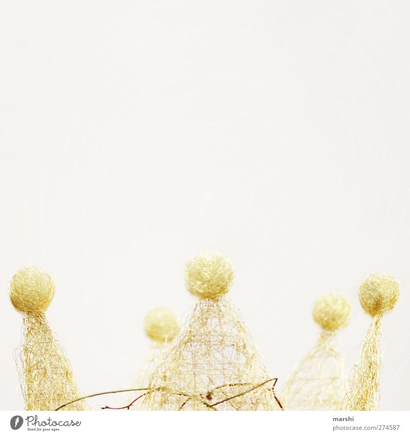 königlich Zeichen gold Krone Königlich königskrone Draht Dekoration & Verzierung Freisteller Dinge Kopfschmuck majestätisch Majestät Farbfoto Detailaufnahme