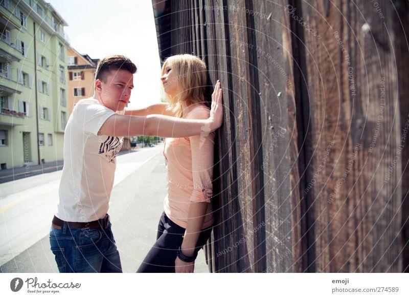 an die Wand Mensch Jugendliche schön Erwachsene feminin Erotik Junge Frau Paar Freundschaft Junger Mann 18-30 Jahre maskulin einzigartig Liebespaar Flirten