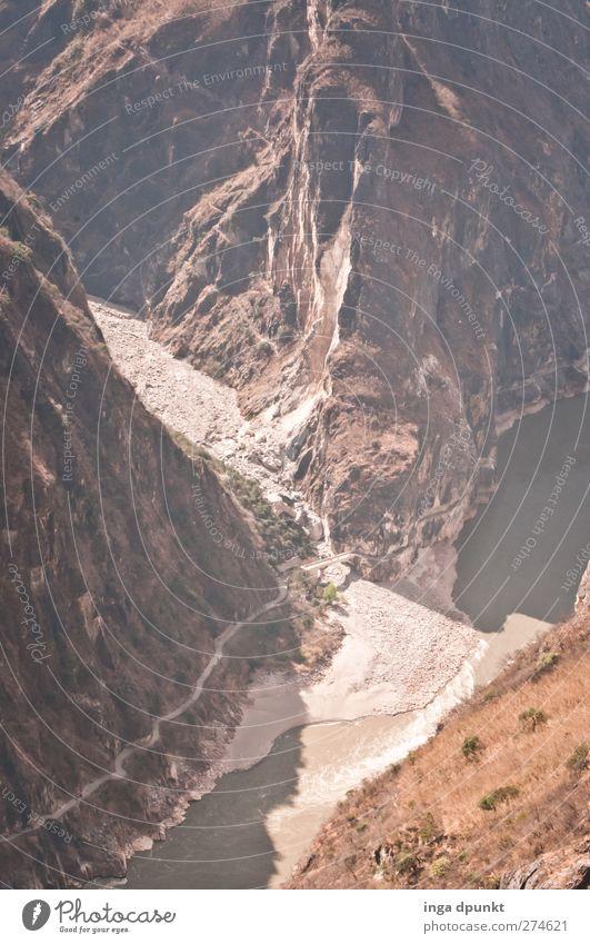 Die Tigerschlucht Umwelt Natur Landschaft Felsen Berge u. Gebirge Schlucht Fluss China Yunnan Asien außergewöhnlich bedrohlich Abenteuer entdecken Tourismus