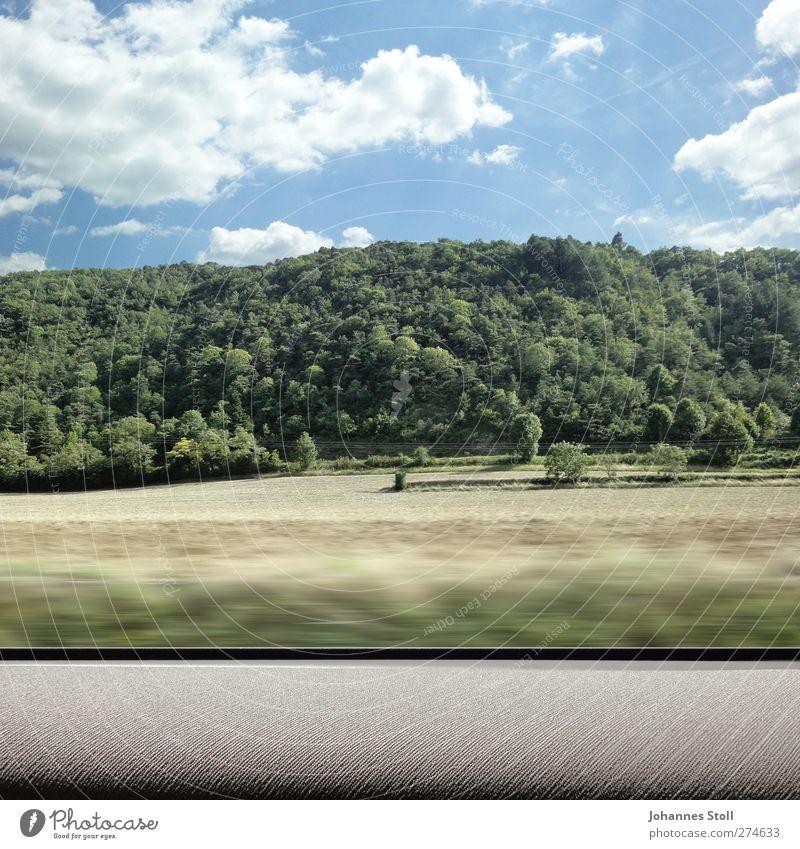 Drive-by 1 Himmel Natur Ferien & Urlaub & Reisen Baum Sommer Pflanze Wald Ferne Landschaft Wiese Straße Freiheit PKW Feld Tourismus Verkehr