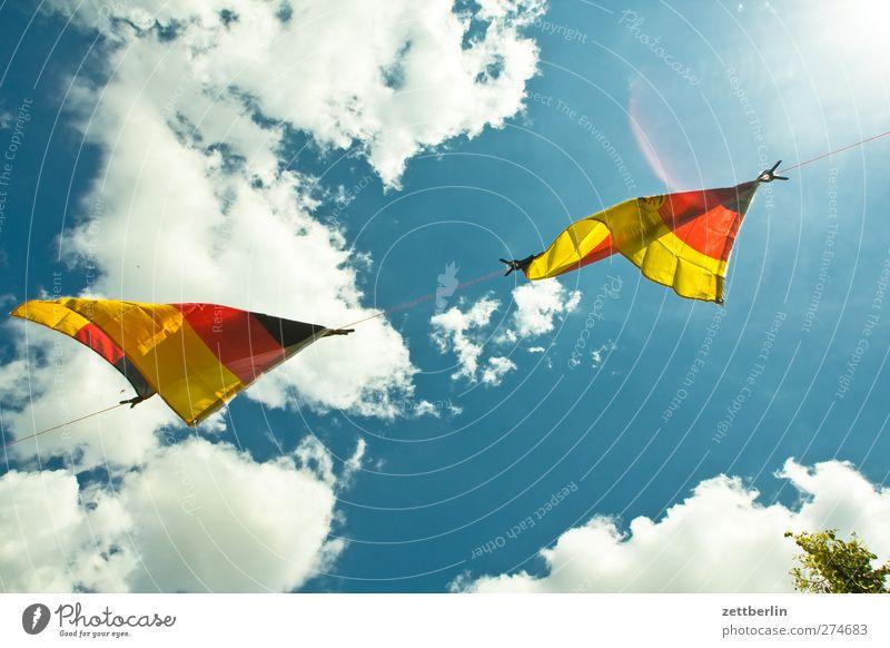Schland! Himmel Sommer Wolken Umwelt hell Deutschland Wetter Wind Klima Fahne Zeichen Sturm Klimawandel flattern Nationalitäten u. Ethnien Nationalflagge