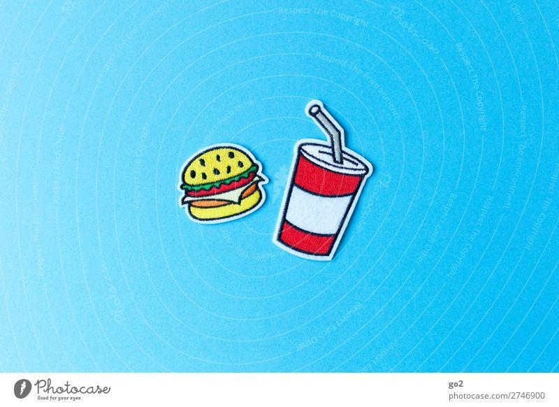 Burger und Softdrink Lebensmittel Hamburger Cheeseburger Ernährung Essen Fastfood Getränk trinken Erfrischungsgetränk Limonade Becher Accessoire