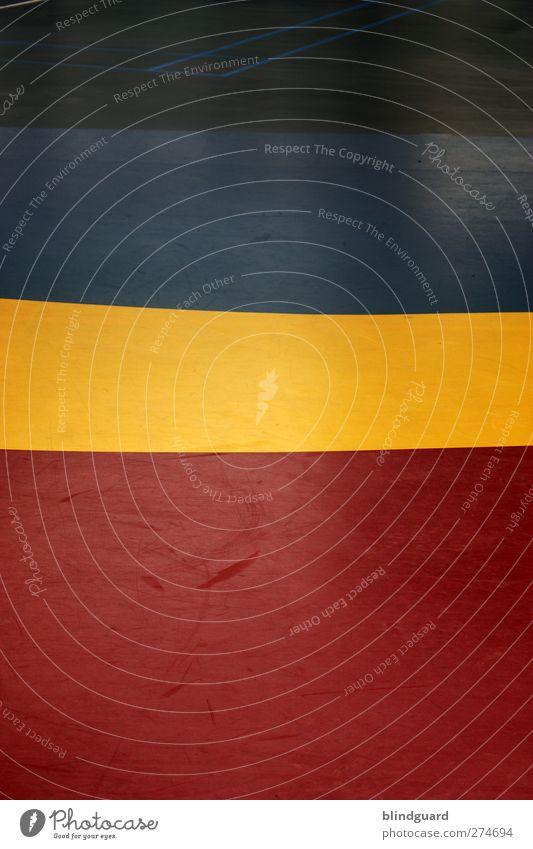 Blackblueyellowred Sportstätten Kunststoff einfach blau gelb rot Farbfoto Innenaufnahme Muster Strukturen & Formen Menschenleer Kontrast Streifen abstrakt