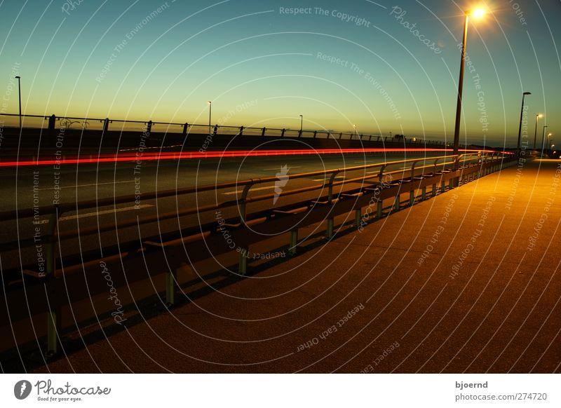 Speed of Light Ferien & Urlaub & Reisen Stadt Straße Bewegung PKW Feste & Feiern Arbeit & Erwerbstätigkeit glänzend Verkehr leuchten Brücke Autobahn Maschine