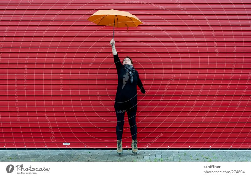 bitti Poppins reloaded | UT S/HD 2012. Mensch feminin Junge Frau Jugendliche Erwachsene fliegen frei Unendlichkeit sportlich verrückt orange rot hüpfen ziehen