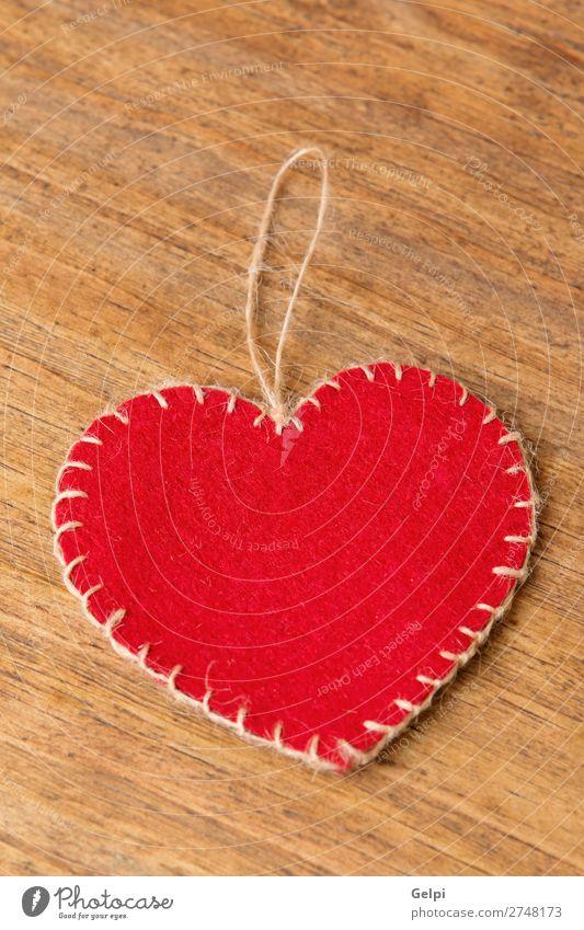 Valentinsherzen auf rustikalem Holzgrund Design schön Dekoration & Verzierung Tisch Tapete Feste & Feiern Valentinstag Hochzeit Ornament Herz alt Liebe modern