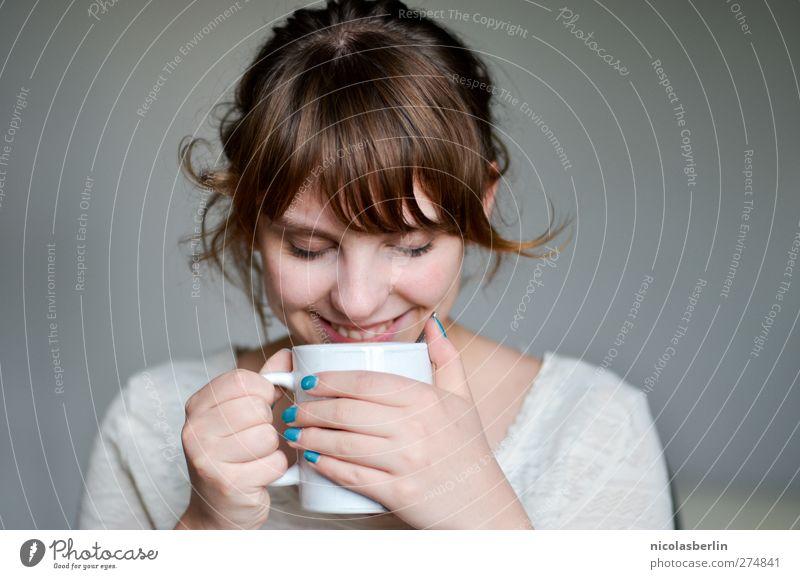 LIEBE MEINES LEBENS* Jugendliche schön Erholung feminin Erotik Leben lachen Glück Junge Frau träumen Zufriedenheit Fröhlichkeit Getränk Kaffee weich trinken