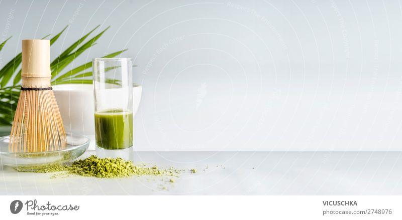 Matcha Espresso im Glas mit Matcha-Besen Lebensmittel Ernährung Getränk Erfrischungsgetränk Heißgetränk Tee Geschirr kaufen Stil Design Gesundheit