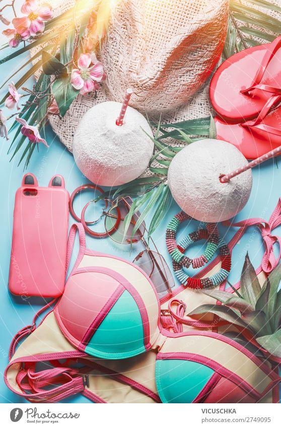 Strand Accessoires mit Smartphone und Kokosnuss Ferien & Urlaub & Reisen Sommer Sonne Lifestyle feminin Party rosa Design Sommerurlaub Hut Sonnenbad Schmuck