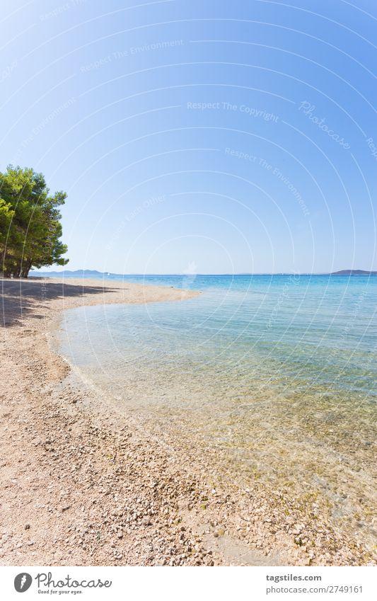 PINE BEACH, PAKOSTANE, CROATIA Adria Schwimmen & Baden Bucht Strand ruhig Camping Wolkenloser Himmel Küste Kroatien Unendlichkeit Kies Ferien & Urlaub & Reisen