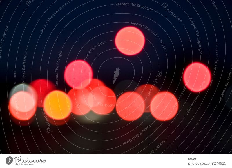 Nachtfahrt Lampe Nachtleben Nachthimmel Verkehr Autofahren Zeichen leuchten dunkel Fröhlichkeit rund rot Kreis Beleuchtung Hintergrundbild Punkt Blendeneffekt