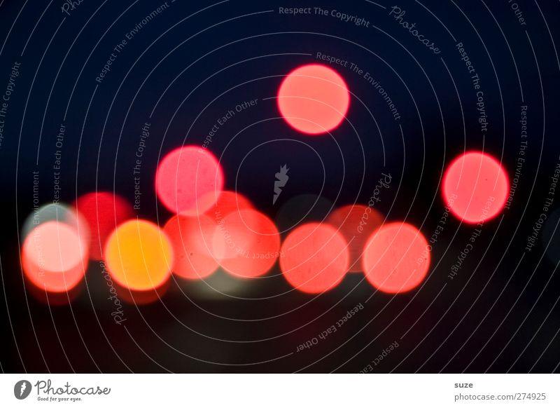 Nachtfahrt rot dunkel Beleuchtung Hintergrundbild Lampe leuchten Verkehr Fröhlichkeit Kreis rund Zeichen Punkt fahren Autofahren Lichtpunkt Nachthimmel