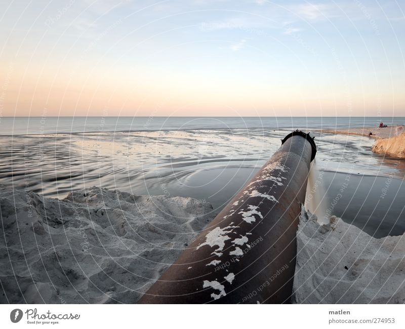 discharge Mensch Himmel blau Wasser Meer Strand Landschaft Küste Sand Luft Horizont braun Schönes Wetter Eisenrohr
