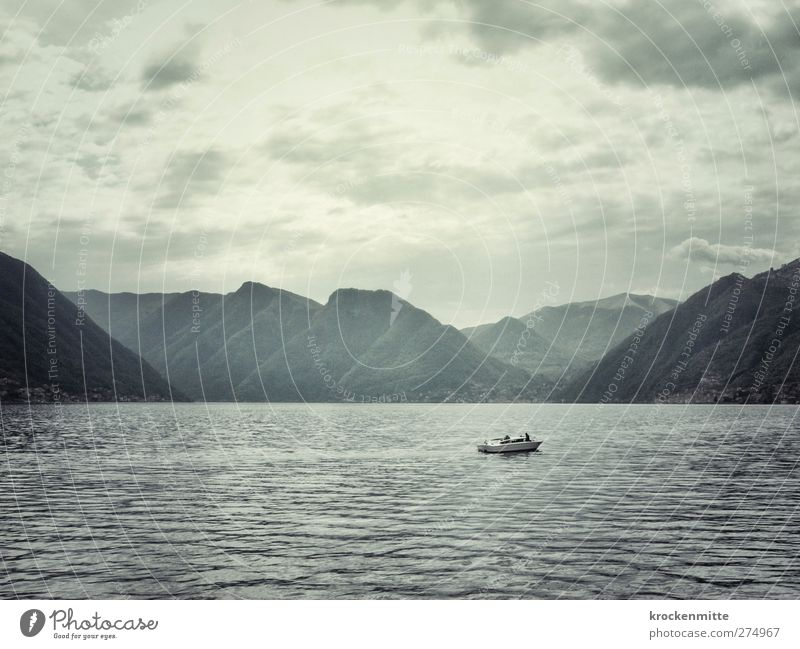 George? Wasser Himmel Wolken Gewitterwolken Sommer Wellen Seeufer Comer See Schifffahrt Motorboot schön Wasserfahrzeug Italien Bergkette Berge u. Gebirge Küste