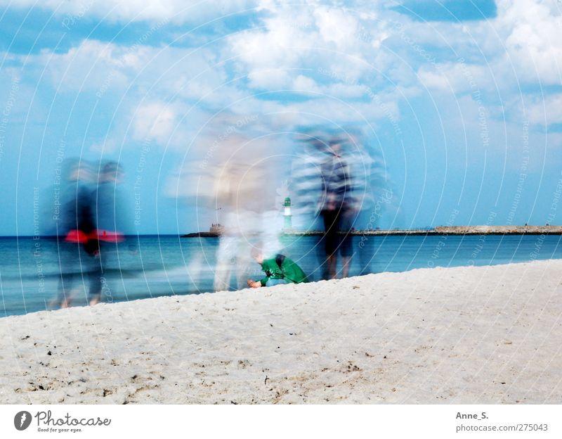 Strandtag Mensch Himmel Wasser Ferien & Urlaub & Reisen Sommer Sonne Meer Strand Wolken ruhig Erholung Wärme Bewegung Küste Sand laufen