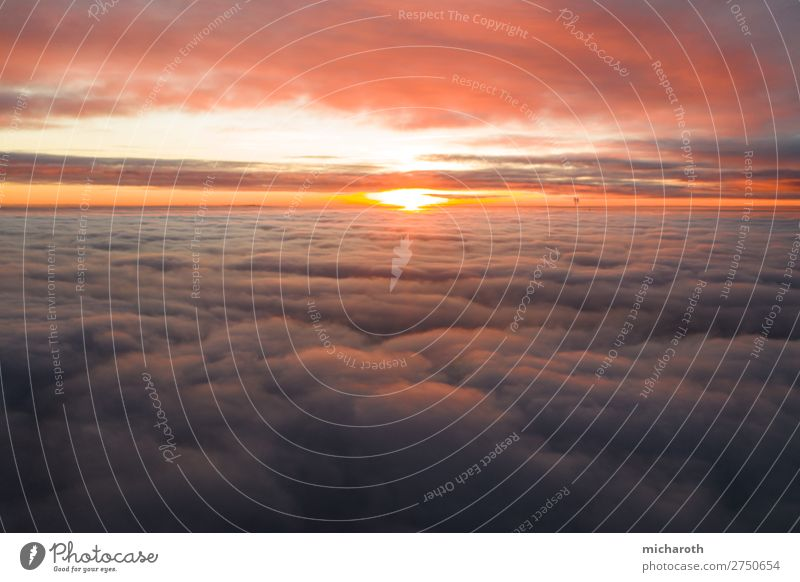 Dramatischer Sonnenuntergang über den Wolken harmonisch Wohlgefühl Zufriedenheit Ferien & Urlaub & Reisen Tourismus Abenteuer Ferne Freiheit Umwelt Himmel