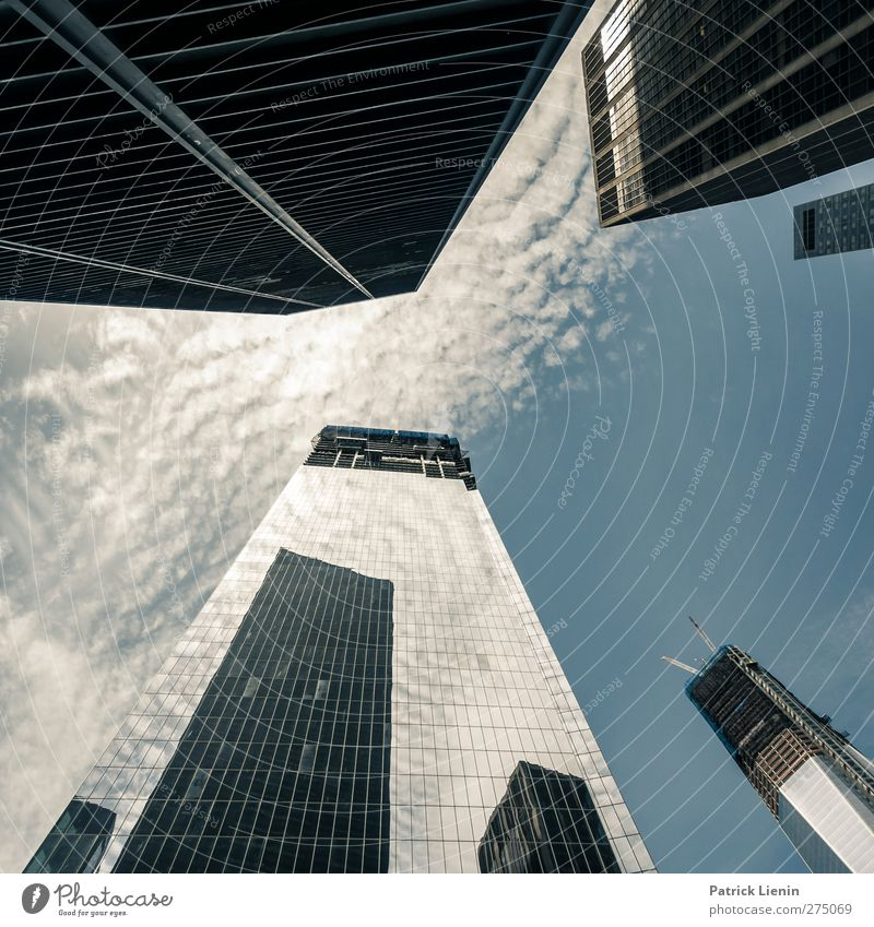 Ground Zero Stadt Stadtzentrum Skyline bevölkert Hochhaus Bankgebäude Platz Bauwerk Gebäude Architektur Sehenswürdigkeit Wahrzeichen Denkmal Stimmung Wahrheit