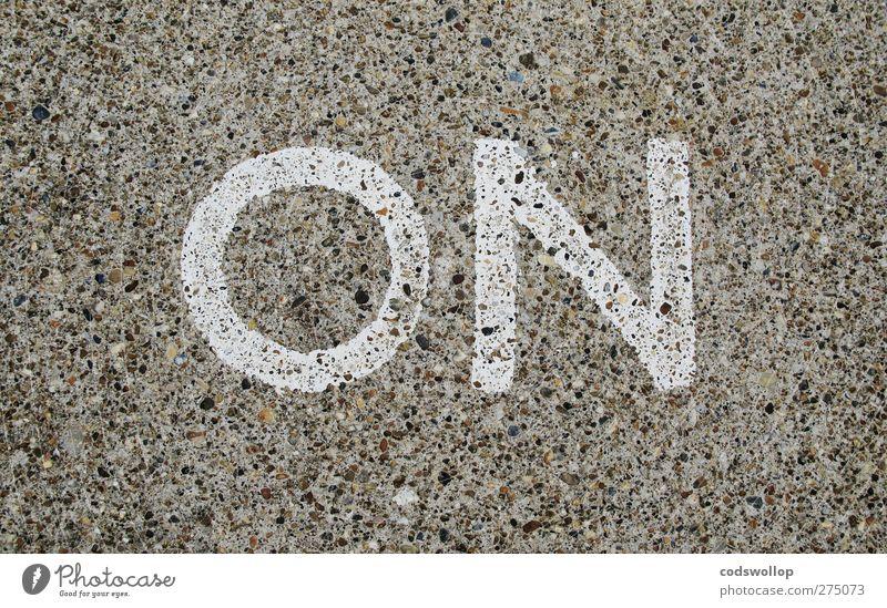 --- -• Schilder & Markierungen Schriftzeichen Kommunizieren Typographie Englisch Verkehrsschild Verkehrszeichen