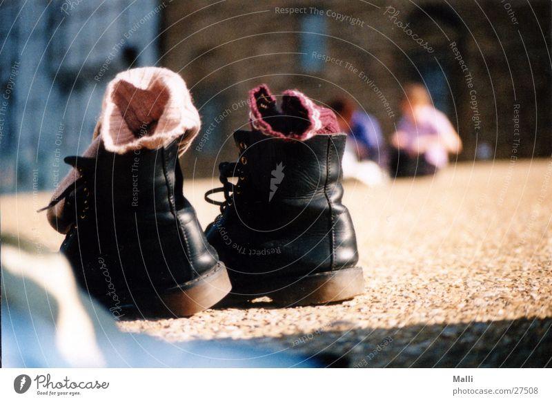 qualmende Schuhe schwarz Fuß gehen laufen Spaziergang Freizeit & Hobby Rauch Strümpfe